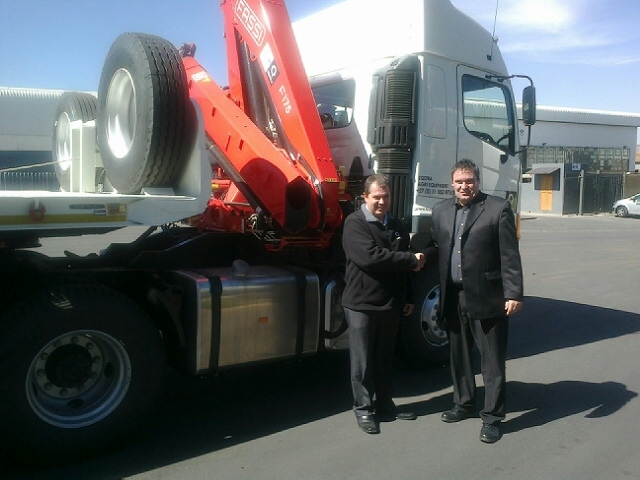 Pictured: Eugene Jonker, GM Eqstra Agri division and Robbie Weir Eqstra 600SA's National Sales Manager.